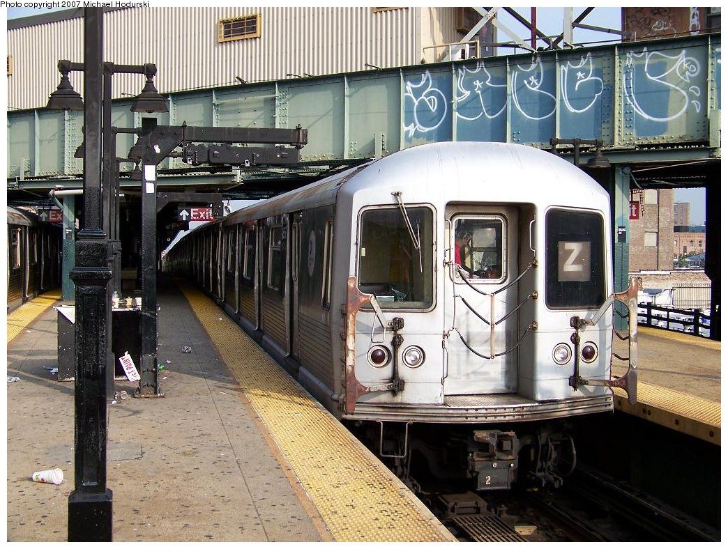 (244k, 1044x788)<br><b>Country:</b> United States<br><b>City:</b> New York<br><b>System:</b> New York City Transit<br><b>Line:</b> BMT Nassau Street/Jamaica Line<br><b>Location:</b> Myrtle Avenue <br><b>Route:</b> Z<br><b>Car:</b> R-42 (St. Louis, 1969-1970)  4656 <br><b>Photo by:</b> Michael Hodurski<br><b>Date:</b> 8/24/2007<br><b>Viewed (this week/total):</b> 2 / 1815