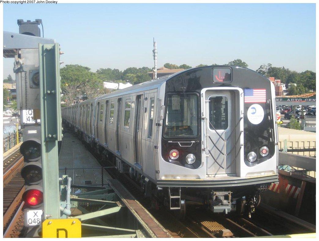 (160k, 1043x787)<br><b>Country:</b> United States<br><b>City:</b> New York<br><b>System:</b> New York City Transit<br><b>Line:</b> BMT Canarsie Line<br><b>Location:</b> Broadway Junction <br><b>Route:</b> L<br><b>Car:</b> R-160A-1 (Alstom, 2005-2008, 4 car sets)  8356 <br><b>Photo by:</b> John Dooley<br><b>Date:</b> 9/20/2007<br><b>Viewed (this week/total):</b> 0 / 2435