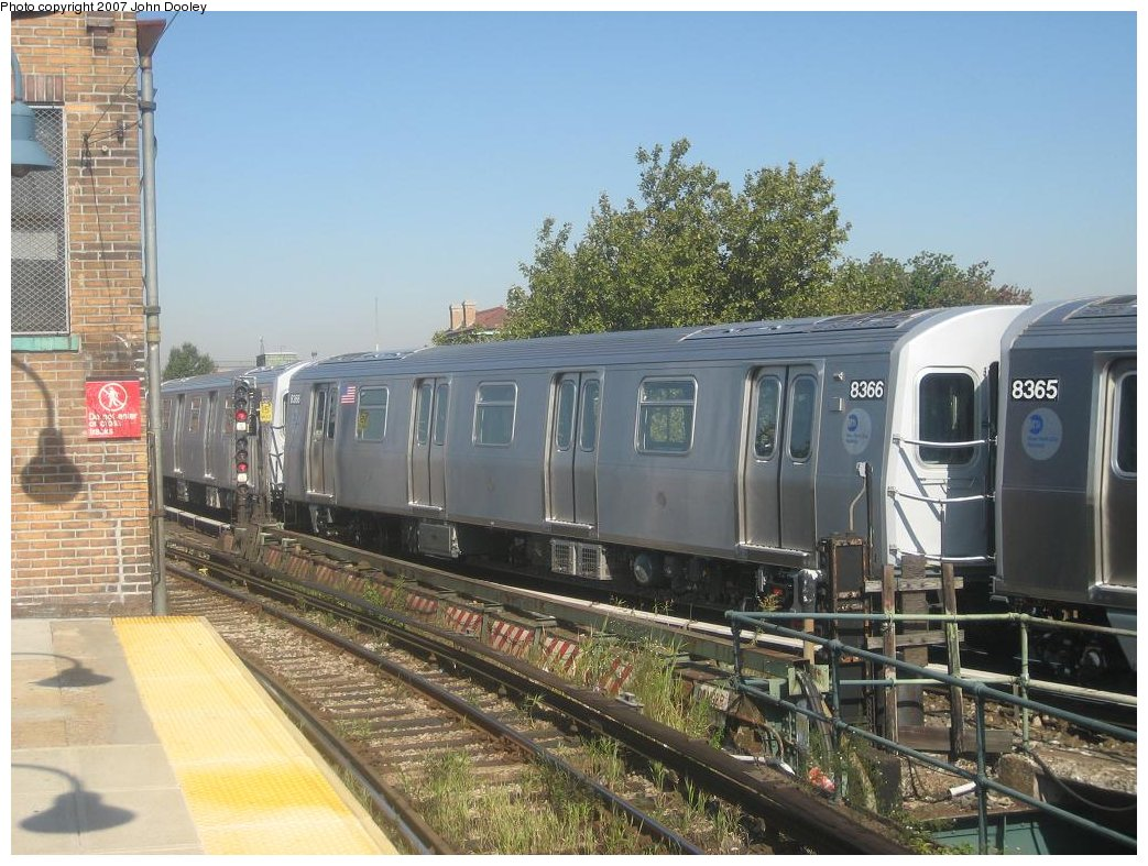 (190k, 1043x787)<br><b>Country:</b> United States<br><b>City:</b> New York<br><b>System:</b> New York City Transit<br><b>Line:</b> BMT Nassau Street/Jamaica Line<br><b>Location:</b> Broadway/East New York (Broadway Junction) <br><b>Route:</b> Z<br><b>Car:</b> R-160A-1 (Alstom, 2005-2008, 4 car sets)  8366 <br><b>Photo by:</b> John Dooley<br><b>Date:</b> 9/20/2007<br><b>Viewed (this week/total):</b> 1 / 2360