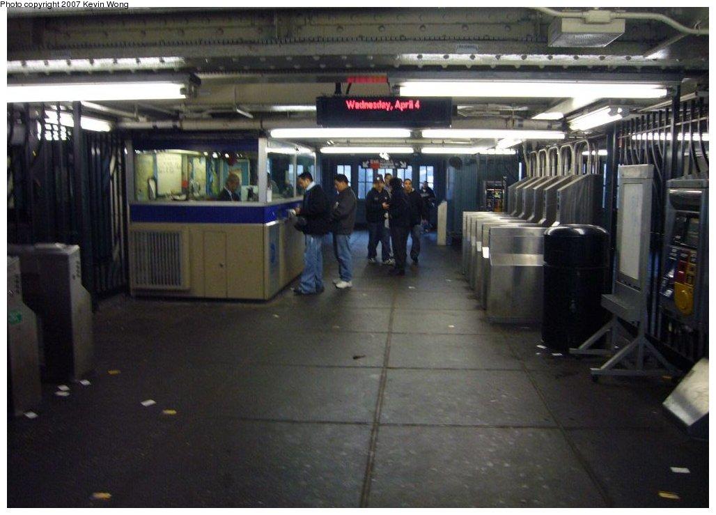 (127k, 1028x739)<br><b>Country:</b> United States<br><b>City:</b> New York<br><b>System:</b> New York City Transit<br><b>Line:</b> IRT Flushing Line<br><b>Location:</b> 103rd Street/Corona Plaza <br><b>Photo by:</b> Kevin Wong<br><b>Date:</b> 4/4/2007<br><b>Notes:</b> Interior of station house mezzanine.<br><b>Viewed (this week/total):</b> 1 / 1913