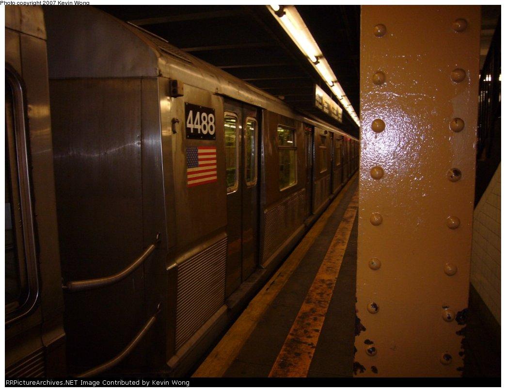 (121k, 1044x808)<br><b>Country:</b> United States<br><b>City:</b> New York<br><b>System:</b> New York City Transit<br><b>Line:</b> IND Concourse Line<br><b>Location:</b> 145th Street <br><b>Route:</b> B<br><b>Car:</b> R-40M (St. Louis, 1969)  4488 <br><b>Photo by:</b> Kevin Wong<br><b>Date:</b> 3/15/2007<br><b>Viewed (this week/total):</b> 0 / 1404