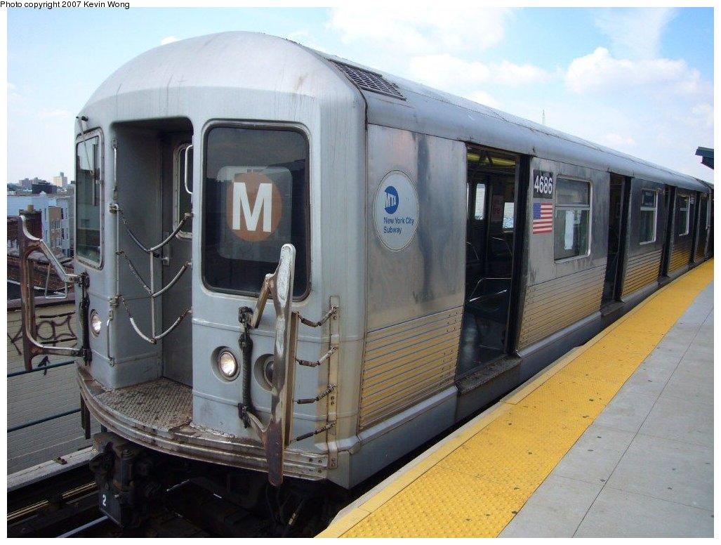 (147k, 1027x776)<br><b>Country:</b> United States<br><b>City:</b> New York<br><b>System:</b> New York City Transit<br><b>Line:</b> BMT Myrtle Avenue Line<br><b>Location:</b> Wyckoff Avenue <br><b>Route:</b> M<br><b>Car:</b> R-42 (St. Louis, 1969-1970)  4686 <br><b>Photo by:</b> Kevin Wong<br><b>Date:</b> 8/13/2007<br><b>Viewed (this week/total):</b> 0 / 1955