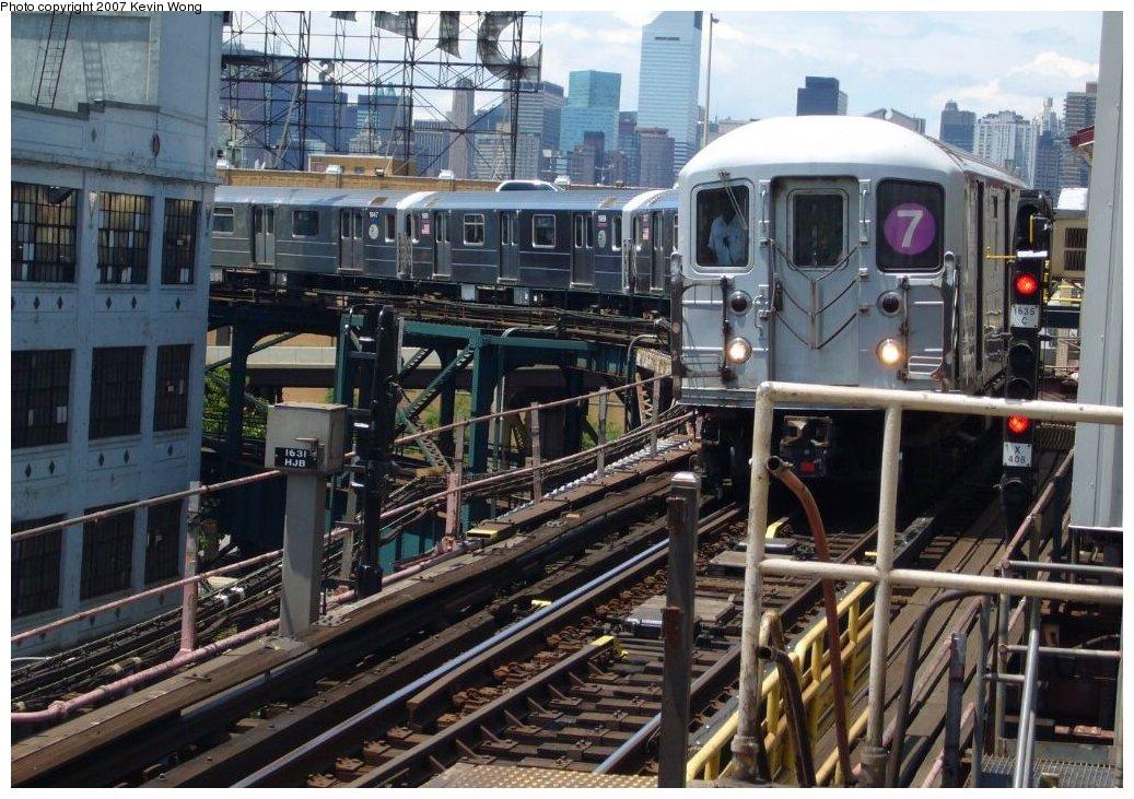 (190k, 1037x731)<br><b>Country:</b> United States<br><b>City:</b> New York<br><b>System:</b> New York City Transit<br><b>Line:</b> IRT Flushing Line<br><b>Location:</b> Queensborough Plaza <br><b>Route:</b> 7<br><b>Car:</b> R-62A (Bombardier, 1984-1987)   <br><b>Photo by:</b> Kevin Wong<br><b>Date:</b> 6/11/2007<br><b>Viewed (this week/total):</b> 3 / 1674