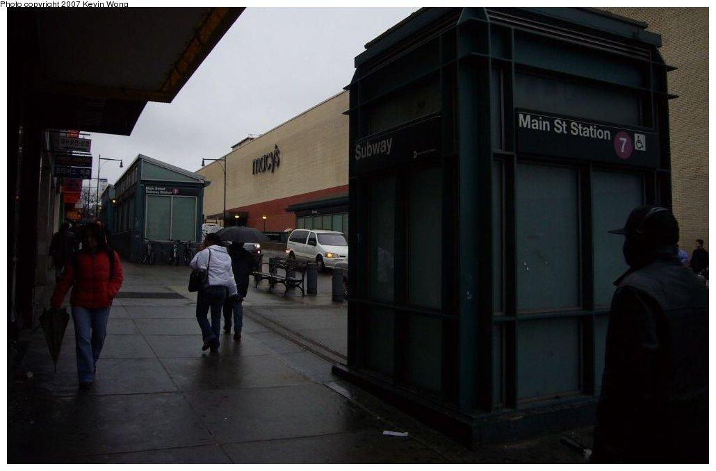 (81k, 1030x678)<br><b>Country:</b> United States<br><b>City:</b> New York<br><b>System:</b> New York City Transit<br><b>Line:</b> IRT Flushing Line<br><b>Location:</b> Main Street/Flushing <br><b>Photo by:</b> Kevin Wong<br><b>Date:</b> 4/4/2007<br><b>Notes:</b> Station entrance-elevator.<br><b>Viewed (this week/total):</b> 2 / 2912