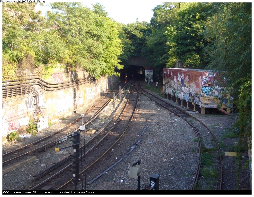 (260k, 1044x808)<br><b>Country:</b> United States<br><b>City:</b> New York<br><b>System:</b> New York City Transit<br><b>Line:</b> South Brooklyn Railway<br><b>Location:</b> West End Jct (east of 4th Ave) (SBK)<br><b>Photo by:</b> Kevin Wong<br><b>Date:</b> 9/5/2007<br><b>Viewed (this week/total):</b> 3 / 1676