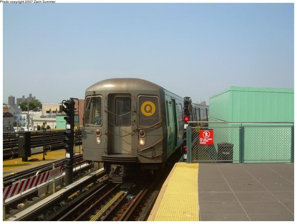 (176k, 1044x788)<br><b>Country:</b> United States<br><b>City:</b> New York<br><b>System:</b> New York City Transit<br><b>Location:</b> Coney Island/Stillwell Avenue<br><b>Route:</b> Q<br><b>Car:</b> R-68A (Kawasaki, 1988-1989)  5152 <br><b>Photo by:</b> Zach Summer<br><b>Date:</b> 9/8/2007<br><b>Viewed (this week/total):</b> 2 / 1766