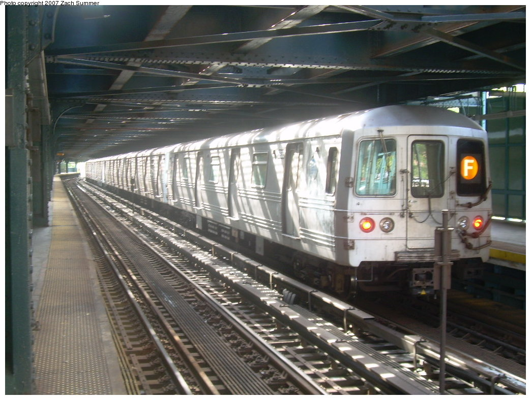 (217k, 1044x788)<br><b>Country:</b> United States<br><b>City:</b> New York<br><b>System:</b> New York City Transit<br><b>Line:</b> BMT Culver Line<br><b>Location:</b> West 8th Street <br><b>Route:</b> F<br><b>Car:</b> R-46 (Pullman-Standard, 1974-75) 5936 <br><b>Photo by:</b> Zach Summer<br><b>Date:</b> 9/9/2007<br><b>Viewed (this week/total):</b> 0 / 1865