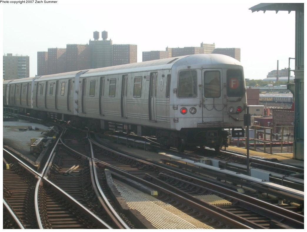 (185k, 1044x788)<br><b>Country:</b> United States<br><b>City:</b> New York<br><b>System:</b> New York City Transit<br><b>Line:</b> BMT Culver Line<br><b>Location:</b> Avenue X <br><b>Route:</b> F<br><b>Car:</b> R-46 (Pullman-Standard, 1974-75) 5792 <br><b>Photo by:</b> Zach Summer<br><b>Date:</b> 9/9/2007<br><b>Viewed (this week/total):</b> 0 / 1491