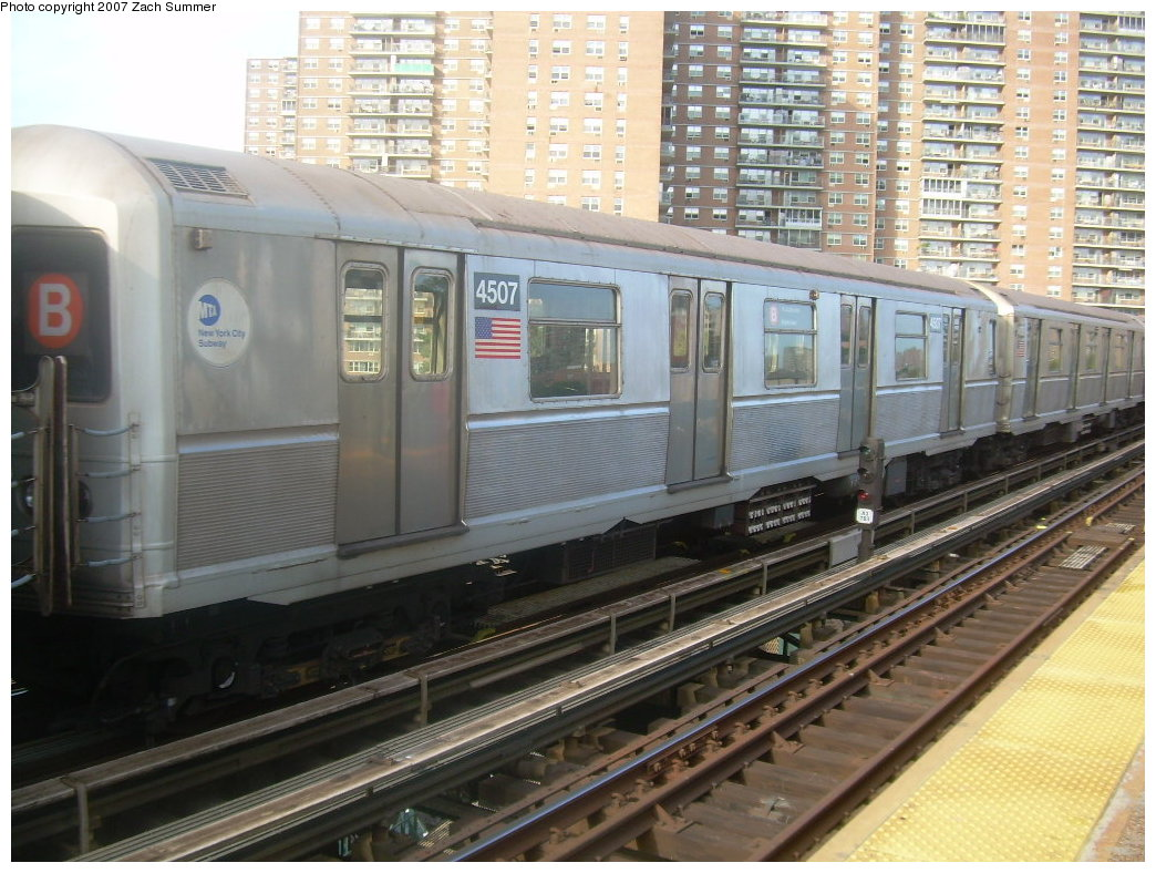 (228k, 1044x788)<br><b>Country:</b> United States<br><b>City:</b> New York<br><b>System:</b> New York City Transit<br><b>Line:</b> BMT Brighton Line<br><b>Location:</b> West 8th Street <br><b>Car:</b> R-40M (St. Louis, 1969)  4507 <br><b>Photo by:</b> Zach Summer<br><b>Date:</b> 9/9/2007<br><b>Notes:</b> Yard move.<br><b>Viewed (this week/total):</b> 3 / 1435
