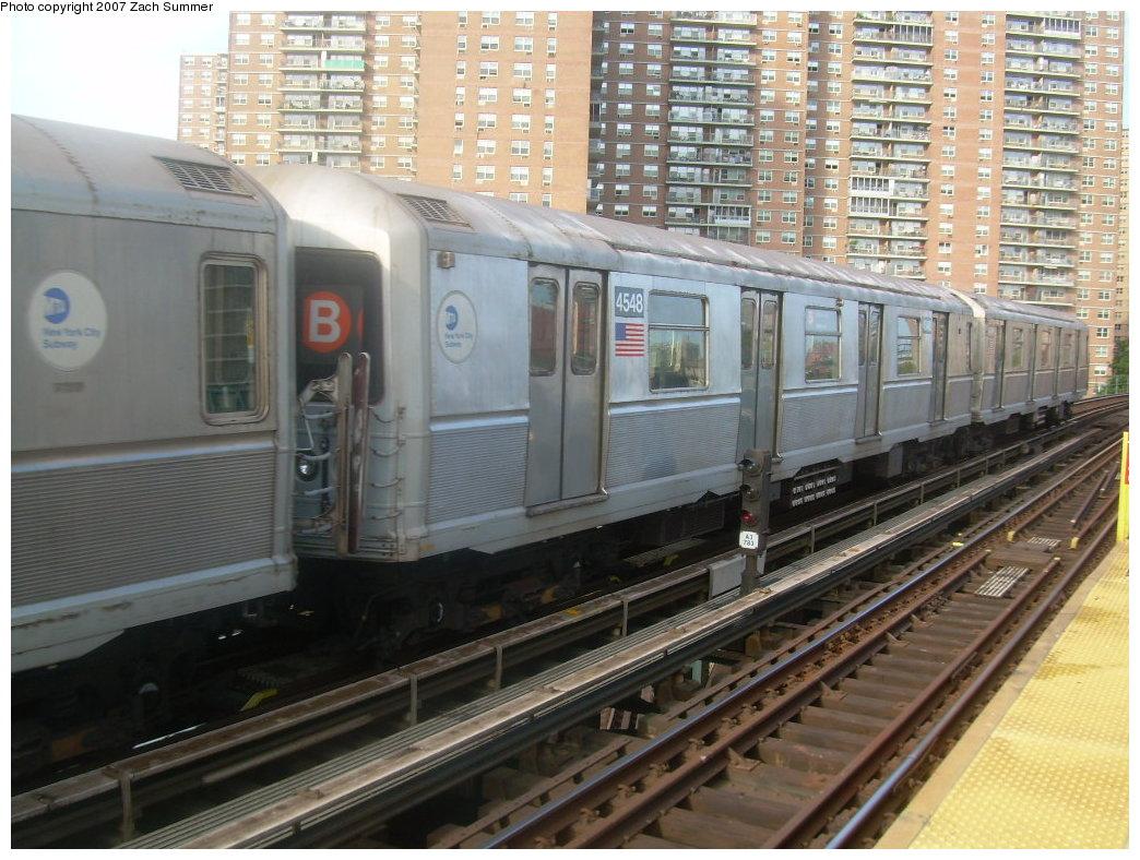 (232k, 1044x788)<br><b>Country:</b> United States<br><b>City:</b> New York<br><b>System:</b> New York City Transit<br><b>Line:</b> BMT Brighton Line<br><b>Location:</b> West 8th Street <br><b>Car:</b> R-40M (St. Louis, 1969)  4548 <br><b>Photo by:</b> Zach Summer<br><b>Date:</b> 9/9/2007<br><b>Notes:</b> Yard move.<br><b>Viewed (this week/total):</b> 1 / 1624