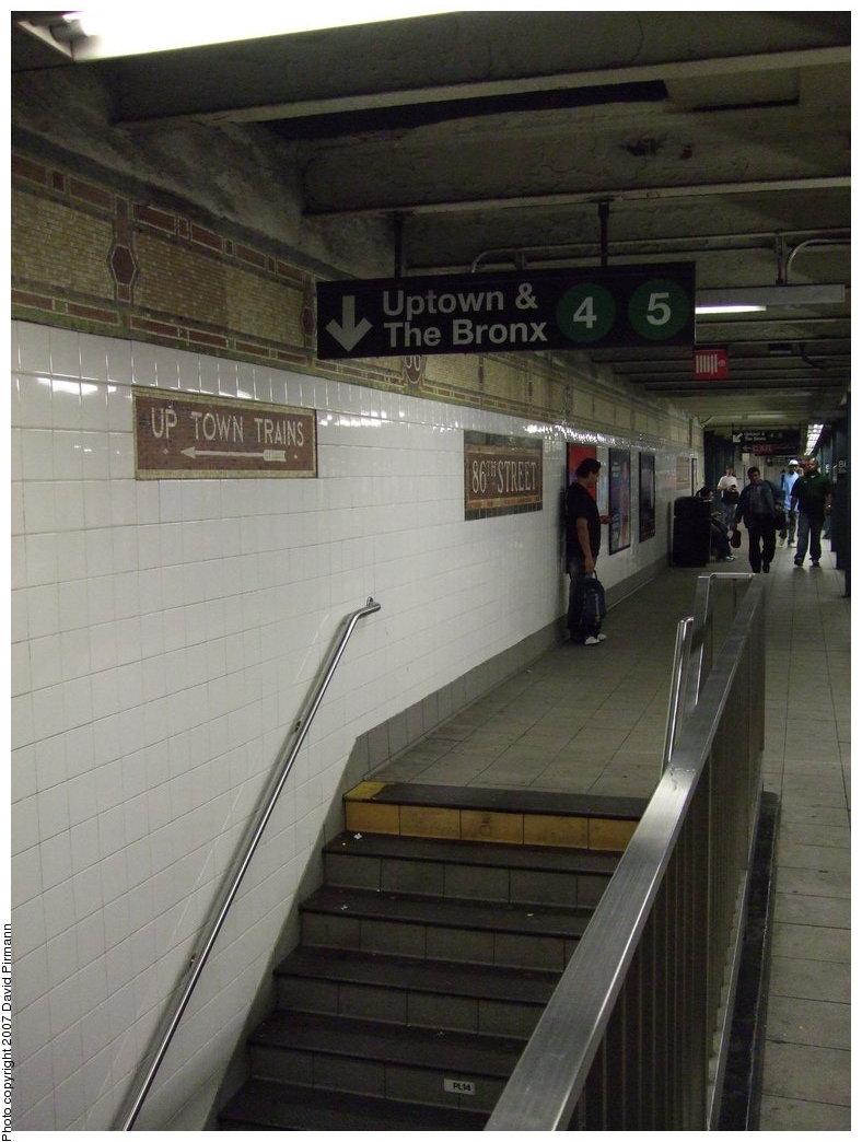 (152k, 788x1044)<br><b>Country:</b> United States<br><b>City:</b> New York<br><b>System:</b> New York City Transit<br><b>Line:</b> IRT East Side Line<br><b>Location:</b> 86th Street <br><b>Photo by:</b> David Pirmann<br><b>Date:</b> 9/21/2007<br><b>Notes:</b> Stairs to lower level (Express) platform.<br><b>Viewed (this week/total):</b> 0 / 3037