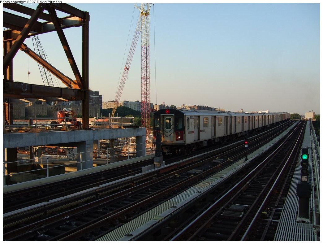 (177k, 1044x788)<br><b>Country:</b> United States<br><b>City:</b> New York<br><b>System:</b> New York City Transit<br><b>Line:</b> IRT Woodlawn Line<br><b>Location:</b> 161st Street/River Avenue (Yankee Stadium) <br><b>Route:</b> 4<br><b>Car:</b> R-142 (Option Order, Bombardier, 2002-2003)  1106 <br><b>Photo by:</b> David Pirmann<br><b>Date:</b> 9/21/2007<br><b>Viewed (this week/total):</b> 0 / 2383