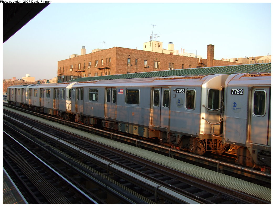 (178k, 1044x788)<br><b>Country:</b> United States<br><b>City:</b> New York<br><b>System:</b> New York City Transit<br><b>Line:</b> IRT Woodlawn Line<br><b>Location:</b> 161st Street/River Avenue (Yankee Stadium) <br><b>Route:</b> 4<br><b>Car:</b> R-142A (Supplemental Order, Kawasaki, 2003-2004)  7763 <br><b>Photo by:</b> David Pirmann<br><b>Date:</b> 9/21/2007<br><b>Viewed (this week/total):</b> 0 / 3270