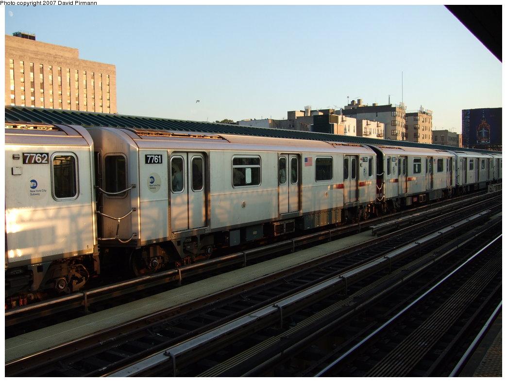 (165k, 1044x788)<br><b>Country:</b> United States<br><b>City:</b> New York<br><b>System:</b> New York City Transit<br><b>Line:</b> IRT Woodlawn Line<br><b>Location:</b> 161st Street/River Avenue (Yankee Stadium) <br><b>Route:</b> 4<br><b>Car:</b> R-142A (Supplemental Order, Kawasaki, 2003-2004)  7761 <br><b>Photo by:</b> David Pirmann<br><b>Date:</b> 9/21/2007<br><b>Viewed (this week/total):</b> 0 / 2163