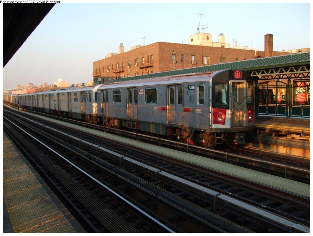 (167k, 1044x788)<br><b>Country:</b> United States<br><b>City:</b> New York<br><b>System:</b> New York City Transit<br><b>Line:</b> IRT Woodlawn Line<br><b>Location:</b> 161st Street/River Avenue (Yankee Stadium) <br><b>Route:</b> 4<br><b>Car:</b> R-142A (Supplemental Order, Kawasaki, 2003-2004)  7796 <br><b>Photo by:</b> David Pirmann<br><b>Date:</b> 9/21/2007<br><b>Viewed (this week/total):</b> 0 / 2509
