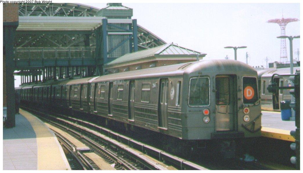 (104k, 1044x599)<br><b>Country:</b> United States<br><b>City:</b> New York<br><b>System:</b> New York City Transit<br><b>Location:</b> Coney Island/Stillwell Avenue<br><b>Route:</b> D<br><b>Car:</b> R-68 (Westinghouse-Amrail, 1986-1988)  2544 <br><b>Photo by:</b> Bob Wright<br><b>Date:</b> 8/20/2006<br><b>Viewed (this week/total):</b> 0 / 1753