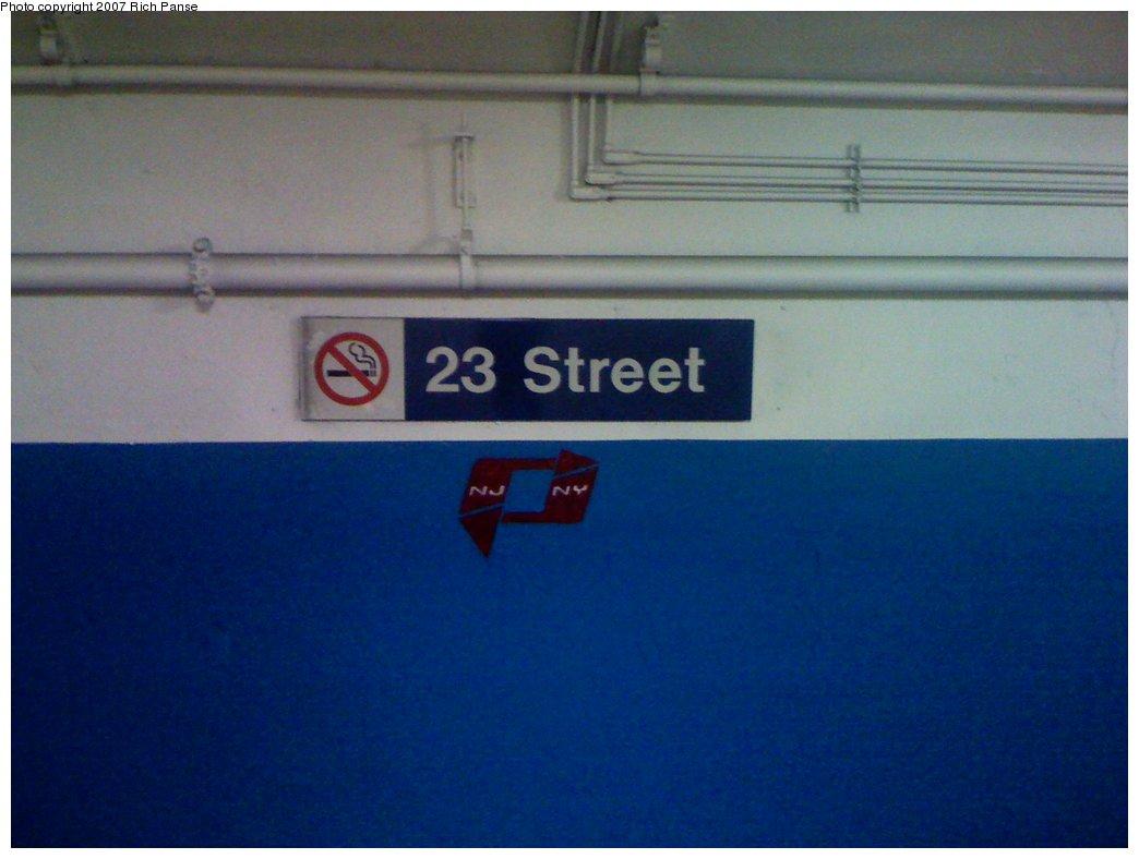 (111k, 1044x788)<br><b>Country:</b> United States<br><b>City:</b> New York<br><b>System:</b> PATH<br><b>Location:</b> 23rd Street <br><b>Photo by:</b> Richard Panse<br><b>Date:</b> 9/25/2007<br><b>Notes:</b> New paint job at 23rd St.<br><b>Viewed (this week/total):</b> 0 / 1777
