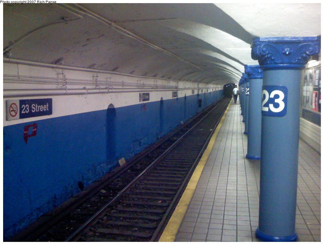 (147k, 1044x788)<br><b>Country:</b> United States<br><b>City:</b> New York<br><b>System:</b> PATH<br><b>Location:</b> 23rd Street <br><b>Photo by:</b> Richard Panse<br><b>Date:</b> 9/25/2007<br><b>Notes:</b> New paint job at 23rd St.<br><b>Viewed (this week/total):</b> 1 / 2576