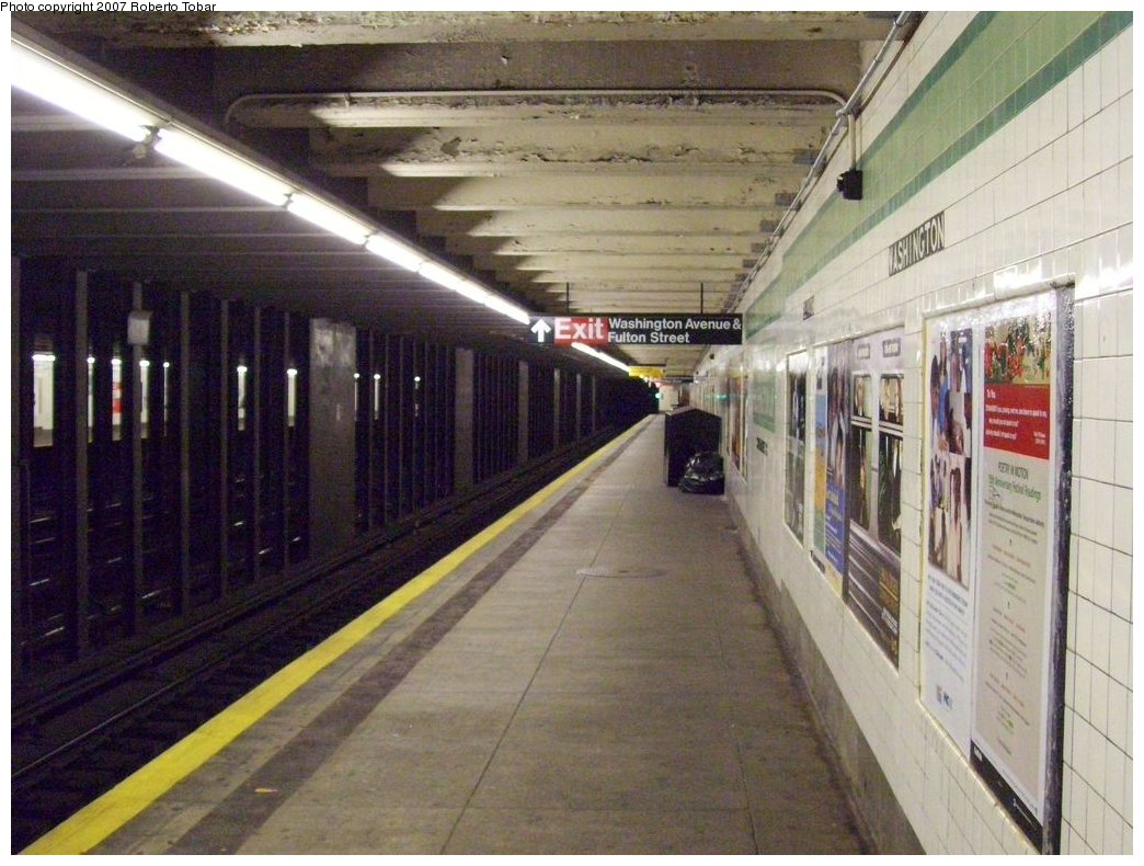 (185k, 1044x790)<br><b>Country:</b> United States<br><b>City:</b> New York<br><b>System:</b> New York City Transit<br><b>Line:</b> IND Fulton Street Line<br><b>Location:</b> Clinton/Washington Aves. <br><b>Photo by:</b> Roberto C. Tobar<br><b>Date:</b> 9/29/2007<br><b>Notes:</b> Station view.<br><b>Viewed (this week/total):</b> 7 / 2724