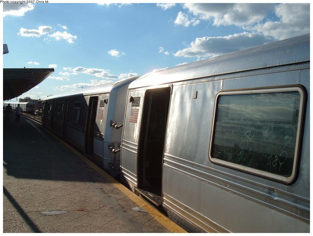 (163k, 1044x788)<br><b>Country:</b> United States<br><b>City:</b> New York<br><b>System:</b> New York City Transit<br><b>Line:</b> IND Rockaway<br><b>Location:</b> Beach 60th Street/Straiton <br><b>Route:</b> S<br><b>Car:</b> R-44 (St. Louis, 1971-73) 5339 <br><b>Photo by:</b> Chris M.<br><b>Date:</b> 9/15/2007<br><b>Viewed (this week/total):</b> 1 / 1941