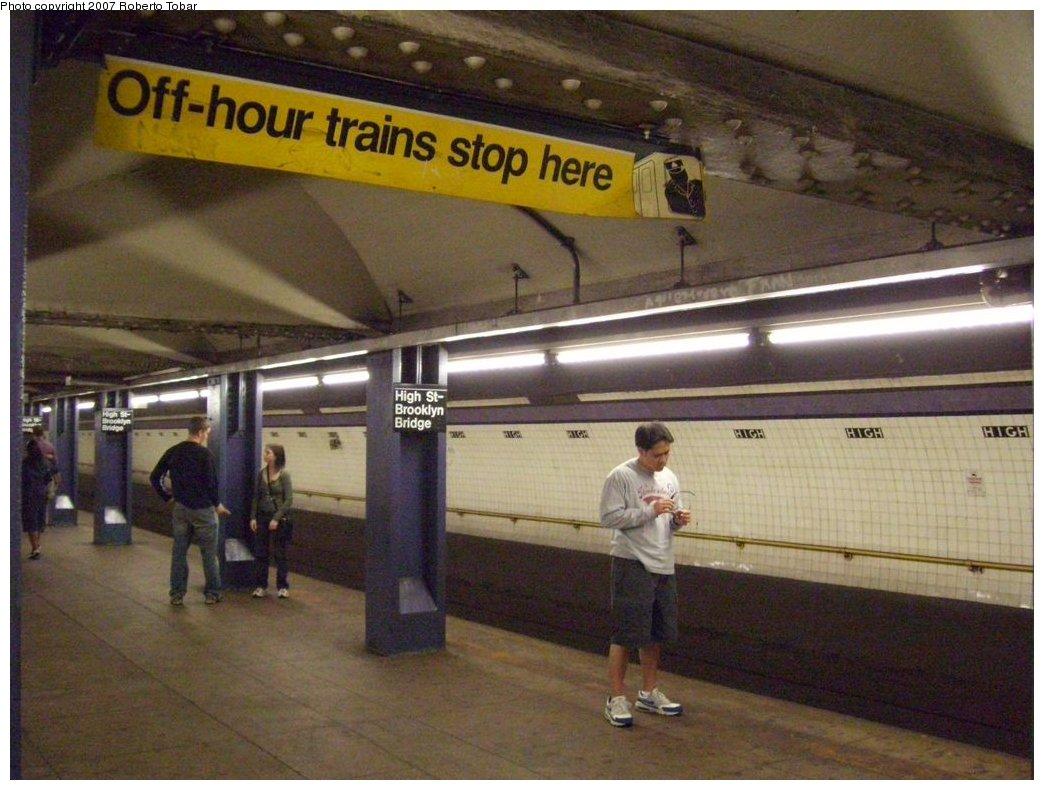(171k, 1044x790)<br><b>Country:</b> United States<br><b>City:</b> New York<br><b>System:</b> New York City Transit<br><b>Line:</b> IND 8th Avenue Line<br><b>Location:</b> High Street/Brooklyn Bridge <br><b>Photo by:</b> Roberto C. Tobar<br><b>Date:</b> 9/29/2007<br><b>Notes:</b> Station view.<br><b>Viewed (this week/total):</b> 0 / 2316
