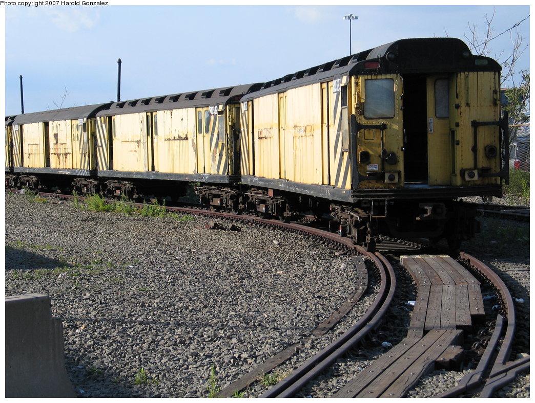 (262k, 1044x788)<br><b>Country:</b> United States<br><b>City:</b> New York<br><b>System:</b> New York City Transit<br><b>Line:</b> South Brooklyn Railway<br><b>Location:</b> SBK Yard (2nd Ave at 38th St.) (SBK)<br><b>Car:</b> R-71 Rider Car (R-17/R-21/R-22 Rebuilds)  RD323 (ex-5877)<br><b>Photo by:</b> Harold Gonzalez<br><b>Date:</b> 9/30/2007<br><b>Notes:</b> With RD332 and RD331<br><b>Viewed (this week/total):</b> 1 / 1670