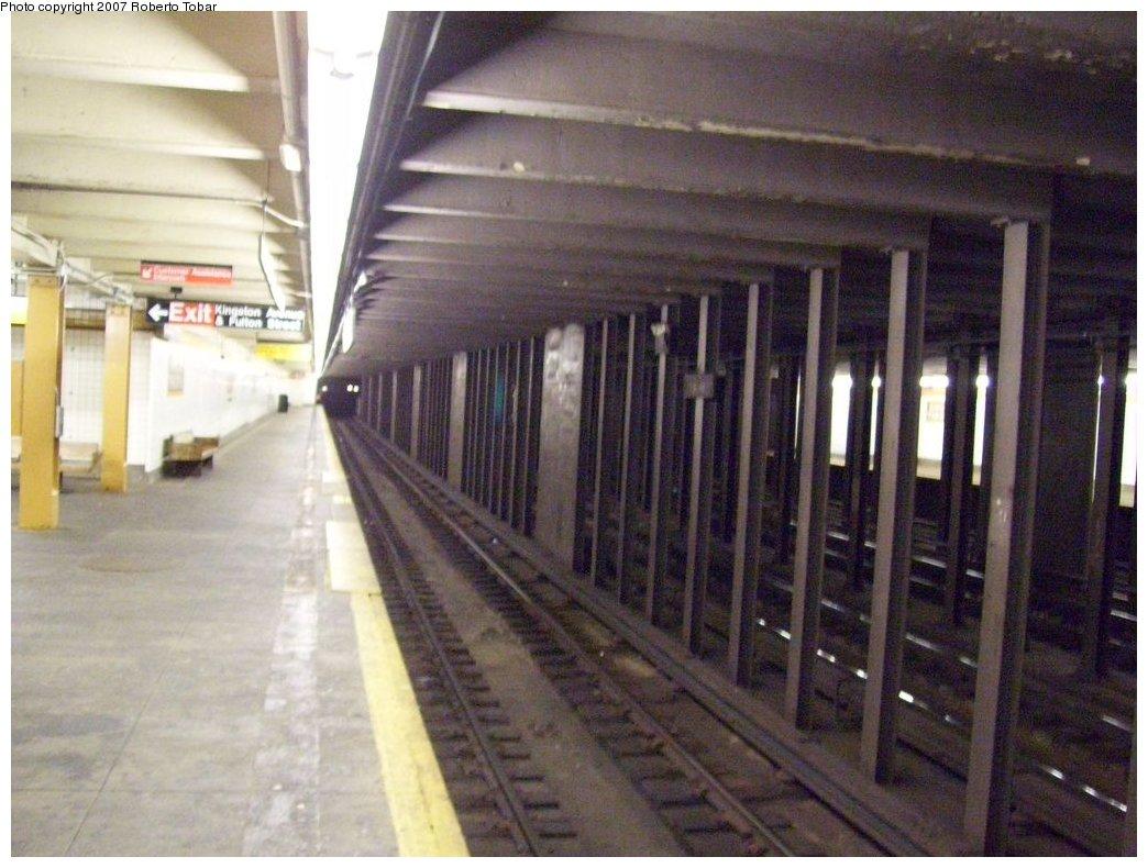 (169k, 1044x790)<br><b>Country:</b> United States<br><b>City:</b> New York<br><b>System:</b> New York City Transit<br><b>Line:</b> IND Fulton Street Line<br><b>Location:</b> Kingston/Throop Aves. <br><b>Photo by:</b> Roberto C. Tobar<br><b>Date:</b> 9/29/2007<br><b>Notes:</b> Station view.<br><b>Viewed (this week/total):</b> 0 / 2377