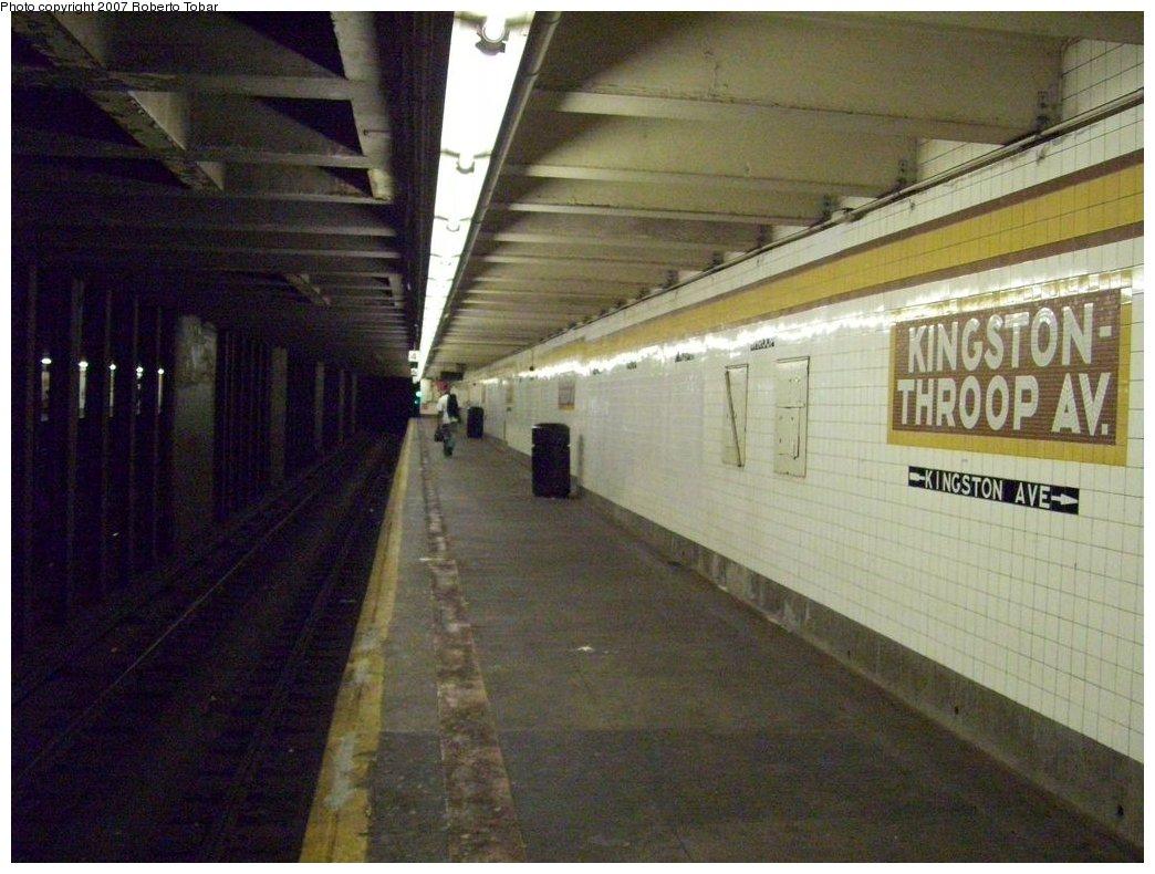 (171k, 1044x790)<br><b>Country:</b> United States<br><b>City:</b> New York<br><b>System:</b> New York City Transit<br><b>Line:</b> IND Fulton Street Line<br><b>Location:</b> Kingston/Throop Aves. <br><b>Photo by:</b> Roberto C. Tobar<br><b>Date:</b> 9/29/2007<br><b>Notes:</b> Station view.<br><b>Viewed (this week/total):</b> 1 / 2073