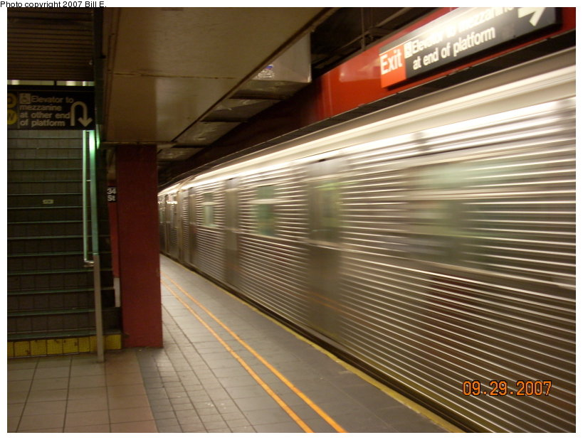 (143k, 819x619)<br><b>Country:</b> United States<br><b>City:</b> New York<br><b>System:</b> New York City Transit<br><b>Line:</b> IND 6th Avenue Line<br><b>Location:</b> 34th Street/Herald Square <br><b>Route:</b> E<br><b>Car:</b> R-32 (Budd, 1964)   <br><b>Photo by:</b> Bill E.<br><b>Date:</b> 9/29/2007<br><b>Notes:</b> E trains running on F line for weekend repair work.<br><b>Viewed (this week/total):</b> 1 / 2578