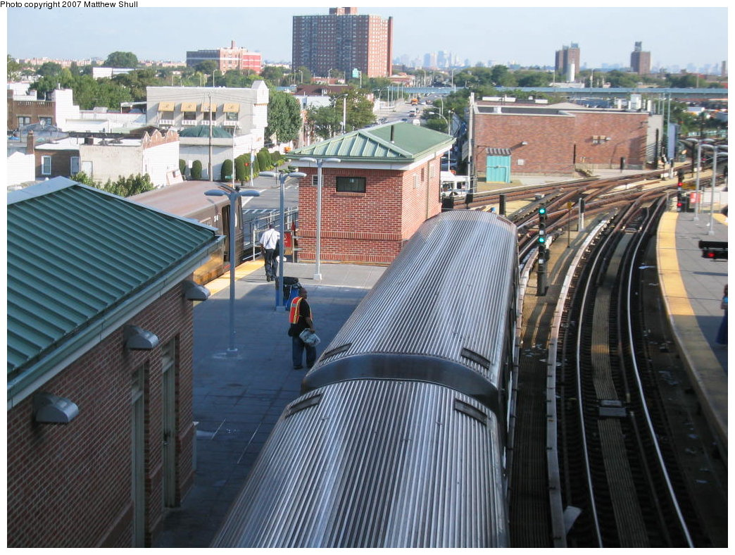 (224k, 1044x788)<br><b>Country:</b> United States<br><b>City:</b> New York<br><b>System:</b> New York City Transit<br><b>Location:</b> Coney Island/Stillwell Avenue<br><b>Route:</b> D<br><b>Car:</b> R-68 (Westinghouse-Amrail, 1986-1988)  2644 <br><b>Photo by:</b> Matthew Shull<br><b>Date:</b> 8/27/2007<br><b>Notes:</b> Green Homeball - Ready to Roll<br><b>Viewed (this week/total):</b> 0 / 1882