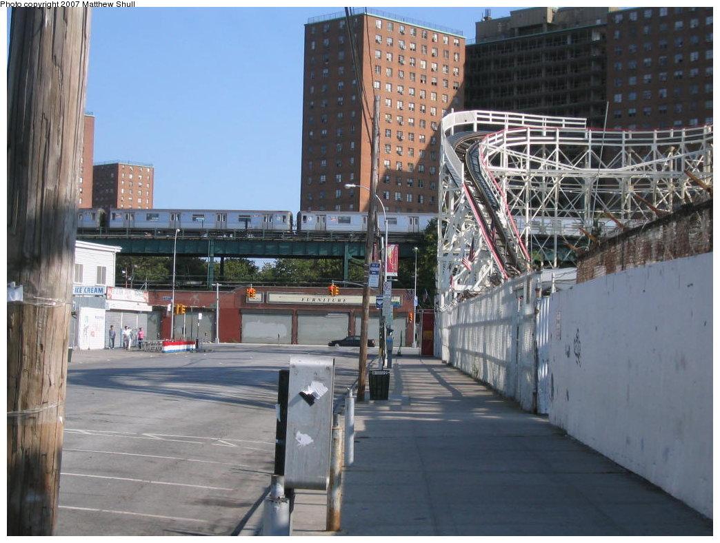 (186k, 1044x788)<br><b>Country:</b> United States<br><b>City:</b> New York<br><b>System:</b> New York City Transit<br><b>Line:</b> BMT Brighton Line<br><b>Location:</b> West 8th Street <br><b>Route:</b> Q<br><b>Car:</b> R-68 (Westinghouse-Amrail, 1986-1988)   <br><b>Photo by:</b> Matthew Shull<br><b>Date:</b> 8/27/2007<br><b>Notes:</b> With Coney Island Cyclone<br><b>Viewed (this week/total):</b> 1 / 2584