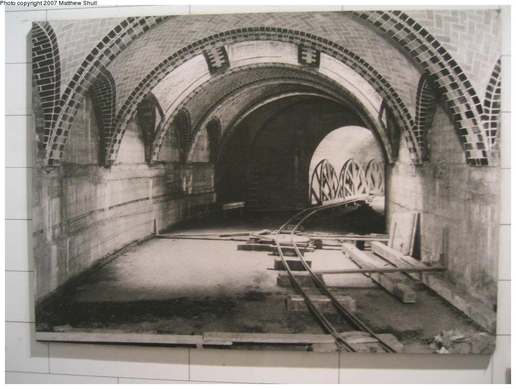 (150k, 1044x788)<br><b>Country:</b> United States<br><b>City:</b> New York<br><b>System:</b> New York City Transit<br><b>Location:</b> New York Transit Museum<br><b>Photo by:</b> Matthew Shull<br><b>Date:</b> 8/31/2007<br><b>Notes:</b> City Hall - Lexington IRT line - unfinished with no platform, 1902<br><b>Viewed (this week/total):</b> 1 / 4568