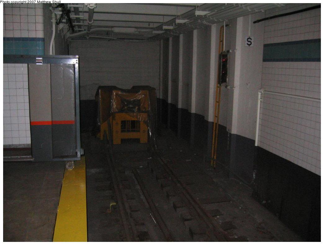 (116k, 1044x788)<br><b>Country:</b> United States<br><b>City:</b> New York<br><b>System:</b> New York City Transit<br><b>Location:</b> New York Transit Museum<br><b>Photo by:</b> Matthew Shull<br><b>Date:</b> 8/31/2007<br><b>Notes:</b> The End of the Line, Quite Literally! Track 2<br><b>Viewed (this week/total):</b> 0 / 5149