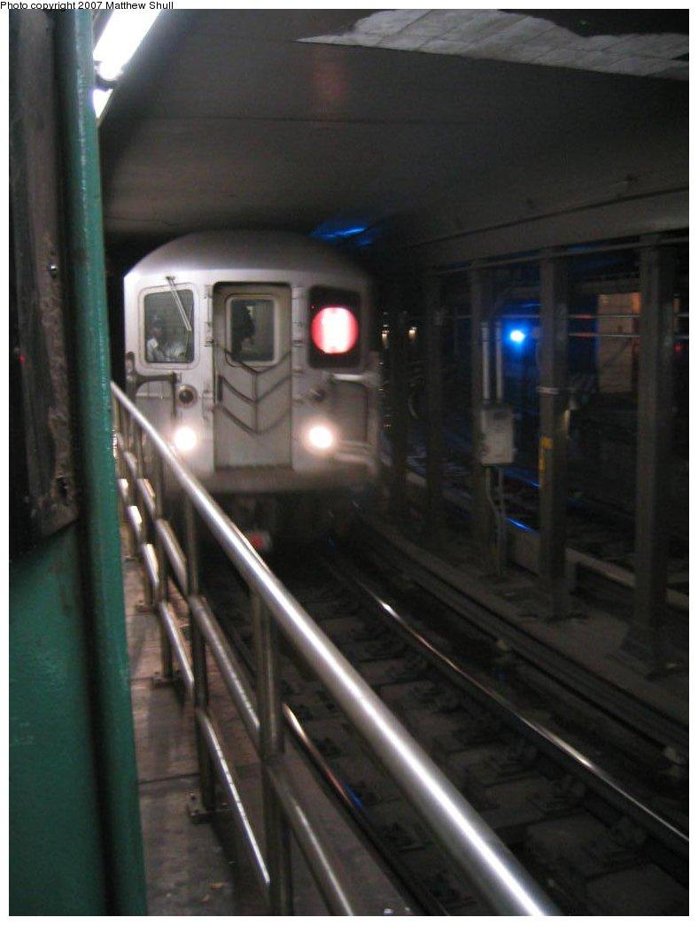 (107k, 788x1044)<br><b>Country:</b> United States<br><b>City:</b> New York<br><b>System:</b> New York City Transit<br><b>Line:</b> IRT West Side Line<br><b>Location:</b> South Ferry (Outer Loop Station) <br><b>Route:</b> 1<br><b>Car:</b> R-62A (Bombardier, 1984-1987)   <br><b>Photo by:</b> Matthew Shull<br><b>Date:</b> 8/31/2007<br><b>Notes:</b> Entering/Terminating<br><b>Viewed (this week/total):</b> 0 / 2316