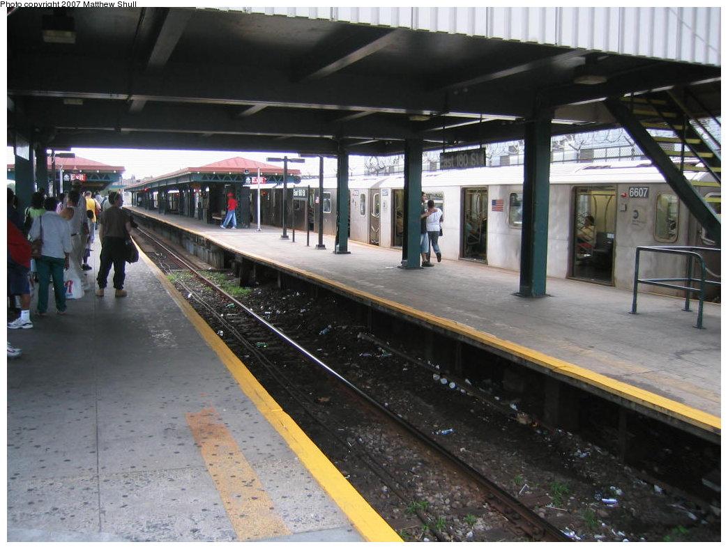 (175k, 1044x788)<br><b>Country:</b> United States<br><b>City:</b> New York<br><b>System:</b> New York City Transit<br><b>Line:</b> IRT White Plains Road Line<br><b>Location:</b> East 180th Street <br><b>Route:</b> 2<br><b>Car:</b> R-142 (Primary Order, Bombardier, 1999-2002)  6607 <br><b>Photo by:</b> Matthew Shull<br><b>Date:</b> 8/31/2007<br><b>Notes:</b> Manhattan-bound 2 Train<br><b>Viewed (this week/total):</b> 3 / 3411