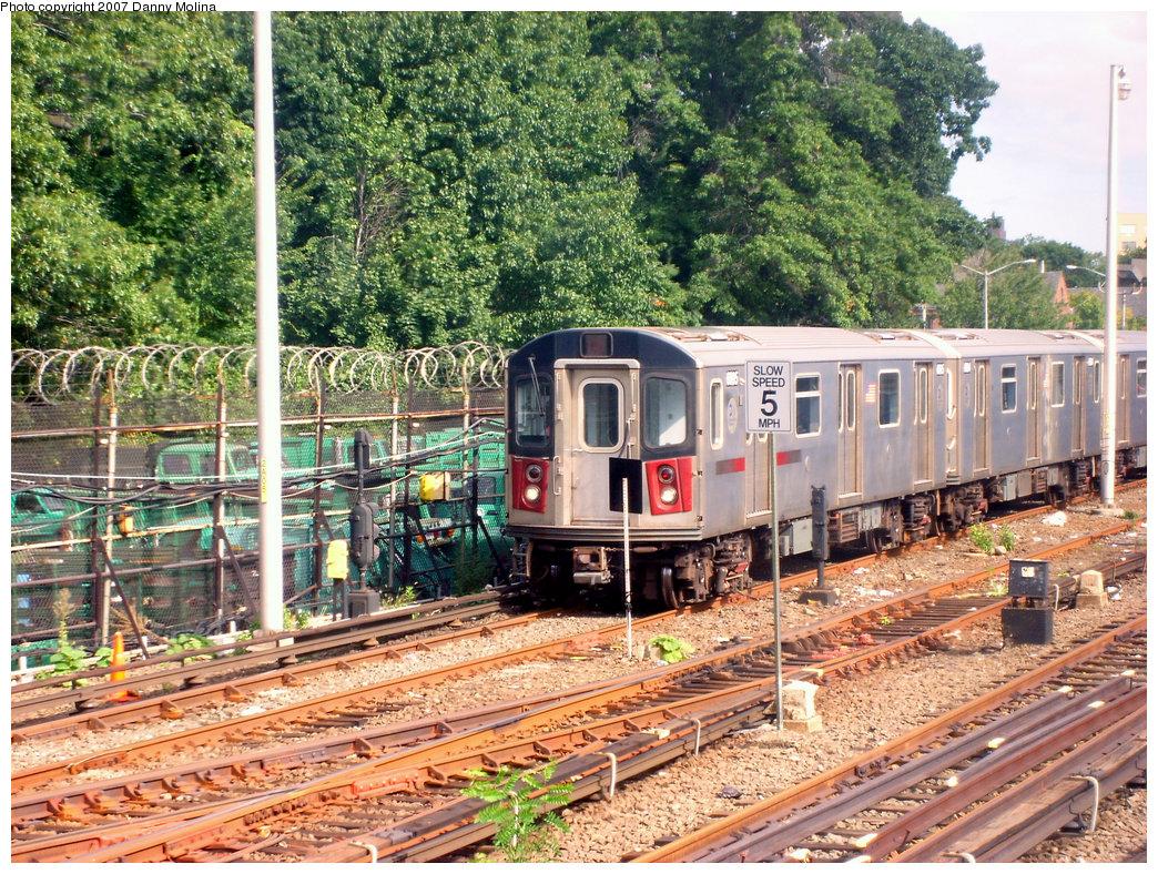 (395k, 1044x788)<br><b>Country:</b> United States<br><b>City:</b> New York<br><b>System:</b> New York City Transit<br><b>Location:</b> East 180th Street Yard<br><b>Car:</b> R-142 (Primary Order, Bombardier, 1999-2002)  6895 <br><b>Photo by:</b> Danny Molina<br><b>Date:</b> 9/20/2007<br><b>Viewed (this week/total):</b> 0 / 3646