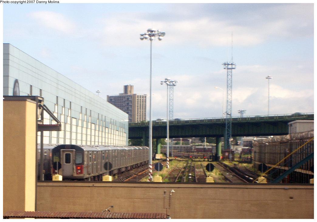 (160k, 1044x731)<br><b>Country:</b> United States<br><b>City:</b> New York<br><b>System:</b> New York City Transit<br><b>Location:</b> East 180th Street Yard<br><b>Photo by:</b> Danny Molina<br><b>Date:</b> 9/20/2007<br><b>Viewed (this week/total):</b> 0 / 2214