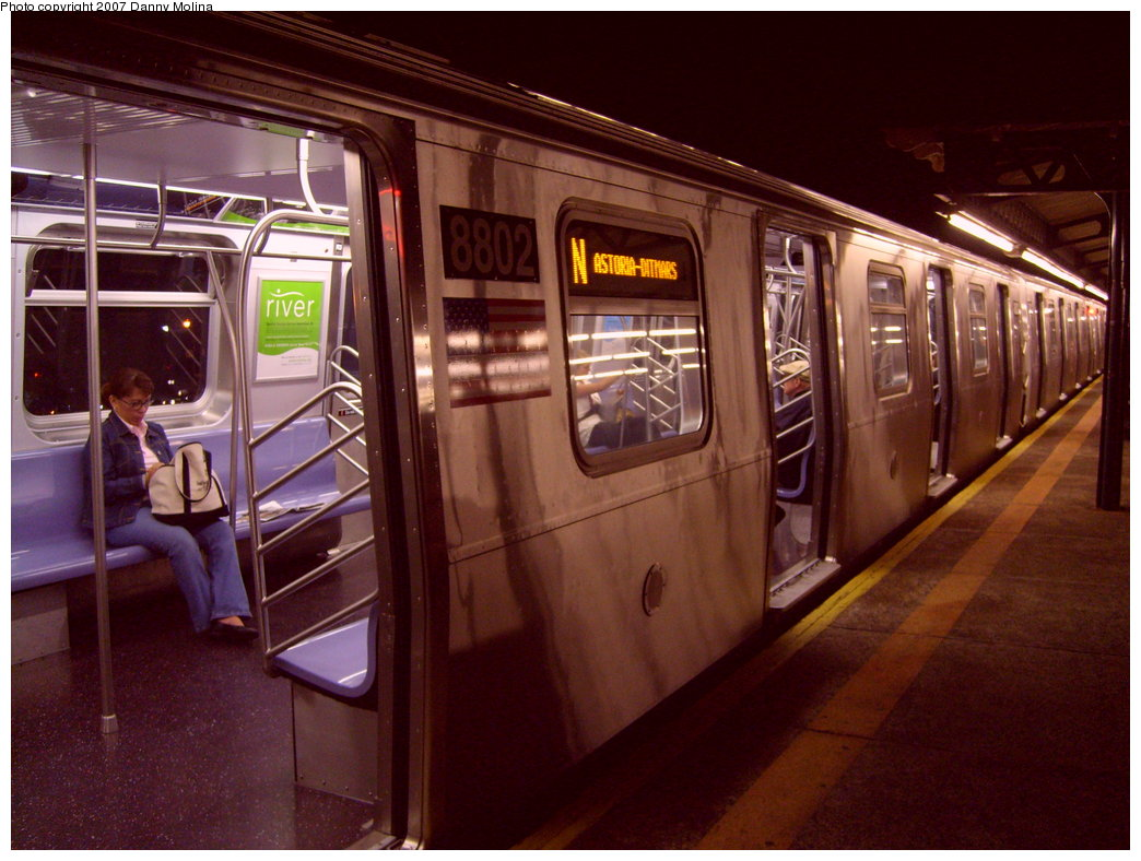 (210k, 1044x788)<br><b>Country:</b> United States<br><b>City:</b> New York<br><b>System:</b> New York City Transit<br><b>Line:</b> BMT Astoria Line<br><b>Location:</b> Astoria Boulevard/Hoyt Avenue <br><b>Route:</b> N<br><b>Car:</b> R-160B (Kawasaki, 2005-2008)  8802 <br><b>Photo by:</b> Danny Molina<br><b>Date:</b> 9/20/2007<br><b>Viewed (this week/total):</b> 1 / 4091