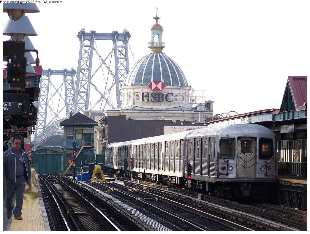 (211k, 1044x788)<br><b>Country:</b> United States<br><b>City:</b> New York<br><b>System:</b> New York City Transit<br><b>Line:</b> BMT Nassau Street/Jamaica Line<br><b>Location:</b> Marcy Avenue <br><b>Route:</b> M<br><b>Car:</b> R-42 (St. Louis, 1969-1970)  4761 <br><b>Photo by:</b> Philip D'Allesandro<br><b>Date:</b> 10/1/2007<br><b>Viewed (this week/total):</b> 1 / 1625