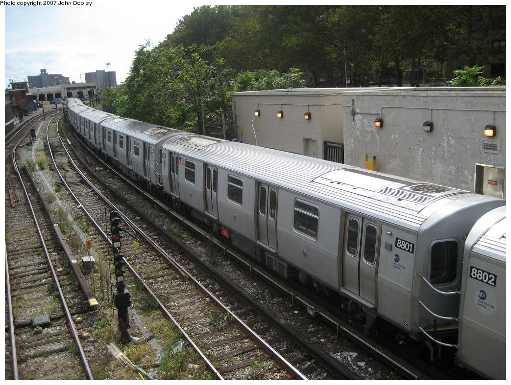 (231k, 1043x787)<br><b>Country:</b> United States<br><b>City:</b> New York<br><b>System:</b> New York City Transit<br><b>Line:</b> BMT Sea Beach Line<br><b>Location:</b> 86th Street <br><b>Route:</b> N<br><b>Car:</b> R-160B (Kawasaki, 2005-2008)  8801 <br><b>Photo by:</b> John Dooley<br><b>Date:</b> 10/1/2007<br><b>Viewed (this week/total):</b> 0 / 1943