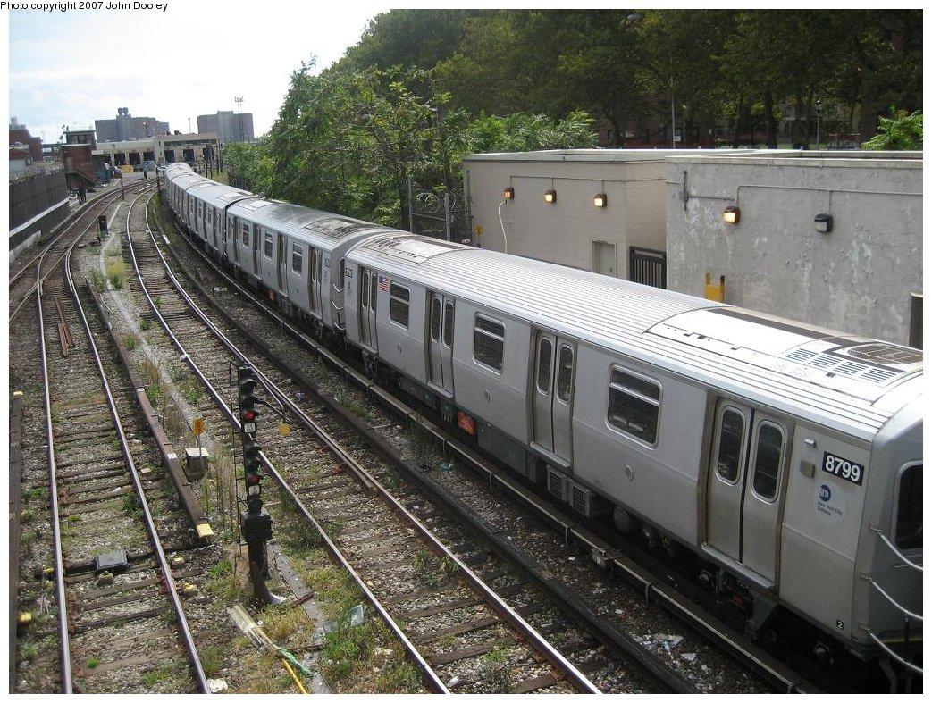 (249k, 1043x787)<br><b>Country:</b> United States<br><b>City:</b> New York<br><b>System:</b> New York City Transit<br><b>Line:</b> BMT Sea Beach Line<br><b>Location:</b> 86th Street <br><b>Route:</b> N<br><b>Car:</b> R-160B (Kawasaki, 2005-2008)  8799 <br><b>Photo by:</b> John Dooley<br><b>Date:</b> 10/1/2007<br><b>Viewed (this week/total):</b> 0 / 2231