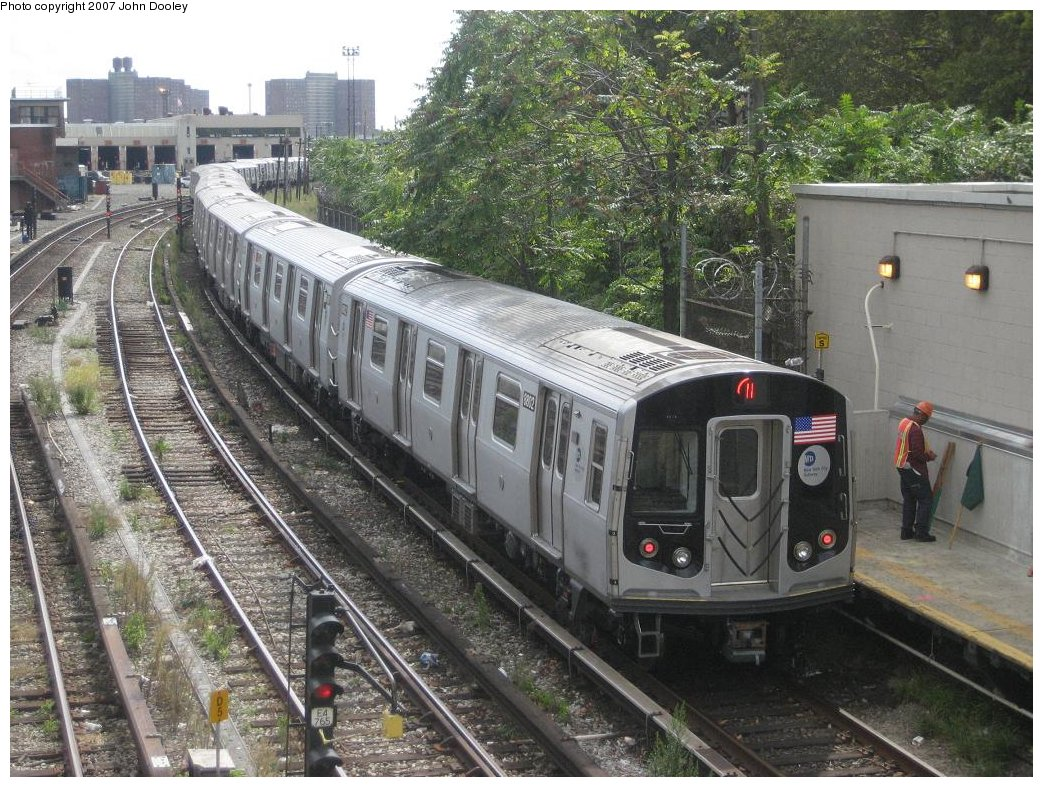 (239k, 1043x787)<br><b>Country:</b> United States<br><b>City:</b> New York<br><b>System:</b> New York City Transit<br><b>Line:</b> BMT Sea Beach Line<br><b>Location:</b> 86th Street <br><b>Route:</b> N<br><b>Car:</b> R-160B (Kawasaki, 2005-2008)  8802 <br><b>Photo by:</b> John Dooley<br><b>Date:</b> 10/1/2007<br><b>Viewed (this week/total):</b> 1 / 1780