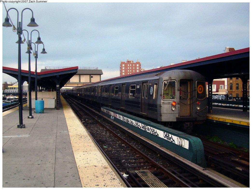 (228k, 1044x788)<br><b>Country:</b> United States<br><b>City:</b> New York<br><b>System:</b> New York City Transit<br><b>Line:</b> BMT Brighton Line<br><b>Location:</b> Brighton Beach <br><b>Route:</b> Q<br><b>Car:</b> R-68A (Kawasaki, 1988-1989)  5036 <br><b>Photo by:</b> Zach Summer<br><b>Date:</b> 6/9/2007<br><b>Viewed (this week/total):</b> 0 / 1392