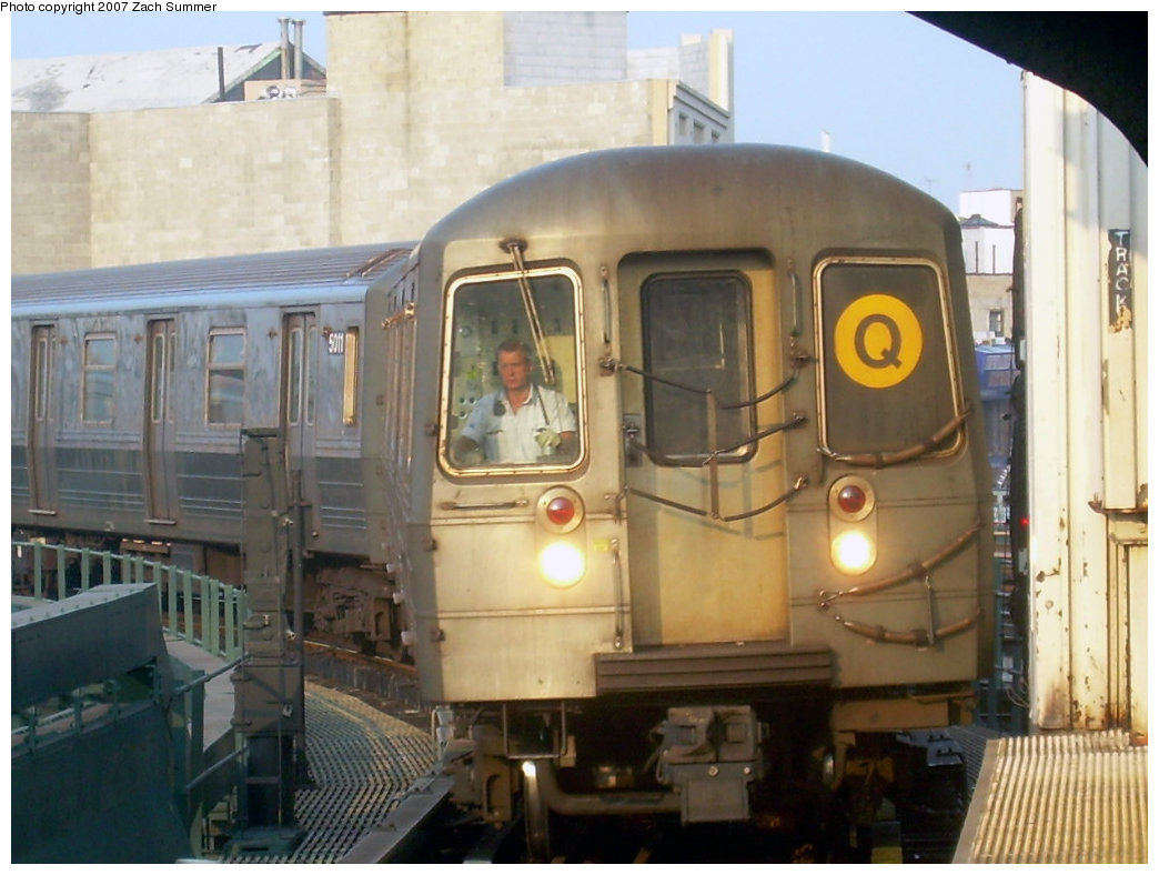 (182k, 1044x788)<br><b>Country:</b> United States<br><b>City:</b> New York<br><b>System:</b> New York City Transit<br><b>Line:</b> BMT Brighton Line<br><b>Location:</b> Brighton Beach <br><b>Route:</b> Q<br><b>Car:</b> R-68A (Kawasaki, 1988-1989)  5012 <br><b>Photo by:</b> Zach Summer<br><b>Date:</b> 8/25/2007<br><b>Viewed (this week/total):</b> 0 / 1723