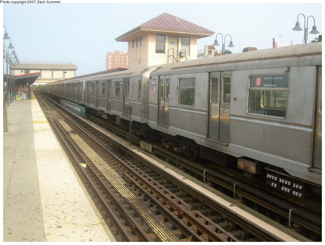 (206k, 1044x788)<br><b>Country:</b> United States<br><b>City:</b> New York<br><b>System:</b> New York City Transit<br><b>Line:</b> BMT Brighton Line<br><b>Location:</b> Brighton Beach <br><b>Route:</b> B<br><b>Car:</b> R-40M (St. Louis, 1969)  4453 <br><b>Photo by:</b> Zach Summer<br><b>Date:</b> 9/10/2007<br><b>Viewed (this week/total):</b> 1 / 1549