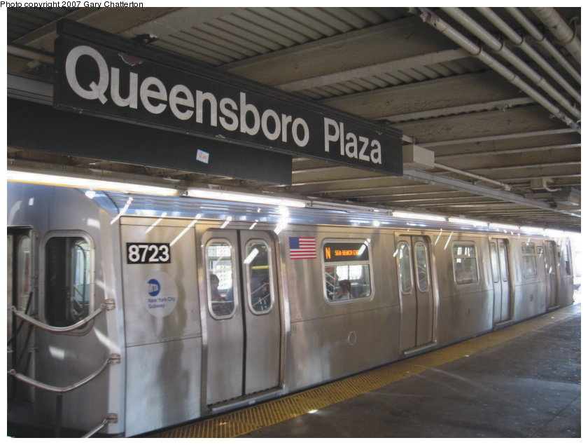 (101k, 840x635)<br><b>Country:</b> United States<br><b>City:</b> New York<br><b>System:</b> New York City Transit<br><b>Line:</b> BMT Astoria Line<br><b>Location:</b> Queensborough Plaza <br><b>Route:</b> N<br><b>Car:</b> R-160B (Kawasaki, 2005-2008)  8723 <br><b>Photo by:</b> Gary Chatterton<br><b>Date:</b> 9/25/2007<br><b>Viewed (this week/total):</b> 0 / 2379