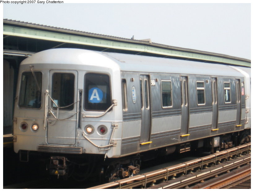 (89k, 820x620)<br><b>Country:</b> United States<br><b>City:</b> New York<br><b>System:</b> New York City Transit<br><b>Line:</b> IND Fulton Street Line<br><b>Location:</b> 104th Street/Oxford Ave. <br><b>Route:</b> A<br><b>Car:</b> R-44 (St. Louis, 1971-73) 5464 <br><b>Photo by:</b> Gary Chatterton<br><b>Date:</b> 9/8/2007<br><b>Viewed (this week/total):</b> 0 / 1384