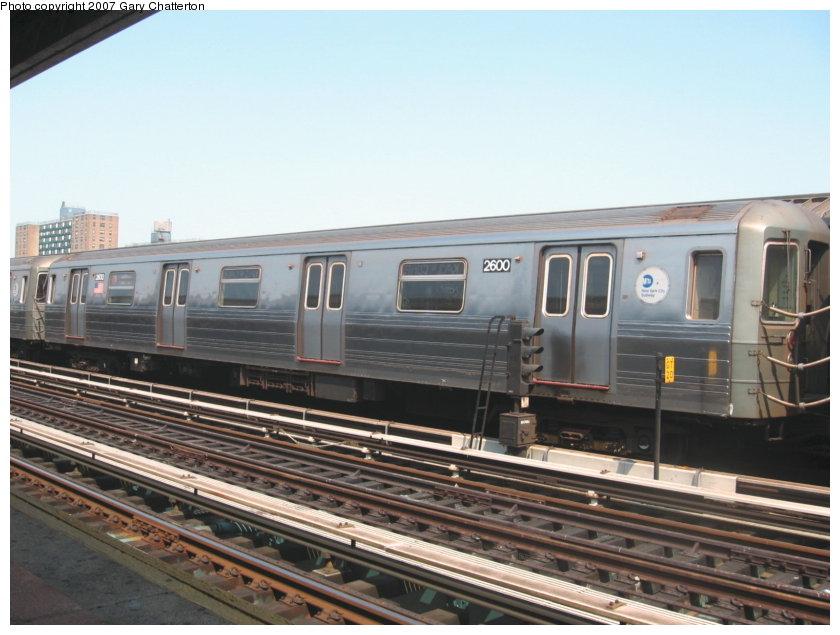 (106k, 840x635)<br><b>Country:</b> United States<br><b>City:</b> New York<br><b>System:</b> New York City Transit<br><b>Line:</b> BMT West End Line<br><b>Location:</b> Bay 50th Street <br><b>Route:</b> D<br><b>Car:</b> R-68 (Westinghouse-Amrail, 1986-1988)  2600 <br><b>Photo by:</b> Gary Chatterton<br><b>Date:</b> 9/8/2007<br><b>Viewed (this week/total):</b> 0 / 1327