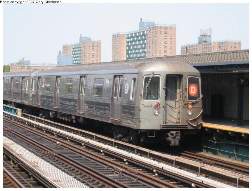 (119k, 840x635)<br><b>Country:</b> United States<br><b>City:</b> New York<br><b>System:</b> New York City Transit<br><b>Line:</b> BMT West End Line<br><b>Location:</b> Bay 50th Street <br><b>Route:</b> D<br><b>Car:</b> R-68 (Westinghouse-Amrail, 1986-1988)  2602 <br><b>Photo by:</b> Gary Chatterton<br><b>Date:</b> 9/8/2007<br><b>Viewed (this week/total):</b> 1 / 1703