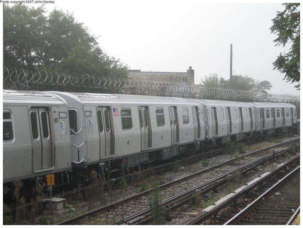 (175k, 1043x787)<br><b>Country:</b> United States<br><b>City:</b> New York<br><b>System:</b> New York City Transit<br><b>Line:</b> BMT Sea Beach Line<br><b>Location:</b> 86th Street <br><b>Route:</b> N<br><b>Car:</b> R-160B (Kawasaki, 2005-2008)  8865 <br><b>Photo by:</b> John Dooley<br><b>Date:</b> 10/6/2007<br><b>Viewed (this week/total):</b> 1 / 2171